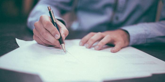 Skriva kontrakt vid bostadsköp