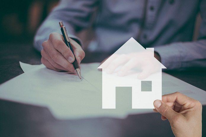 Skriva kontrakt på bostad